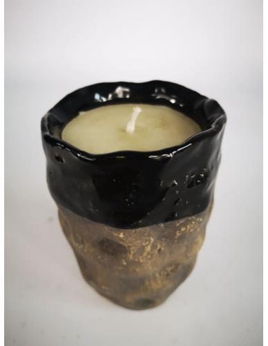 Świeca w ceramice